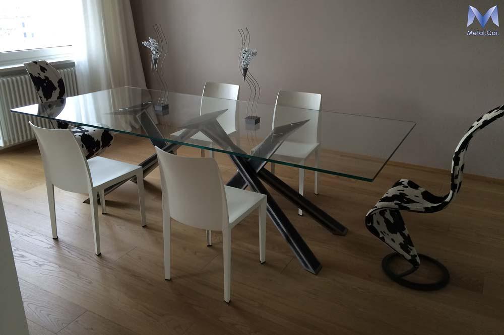 Tavoli di design su misura per contesti abitativi metal - Tavolo ferro battuto e vetro ...
