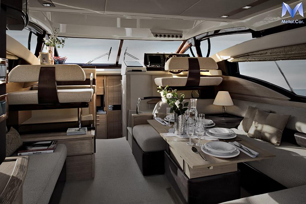 Arredamento yacht con sedili automatizzati