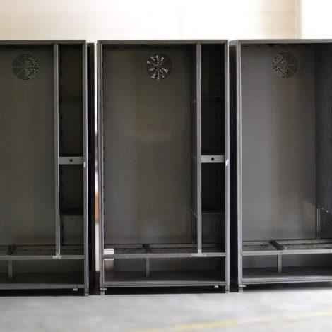Carpenteria torino - Distributori in metallo